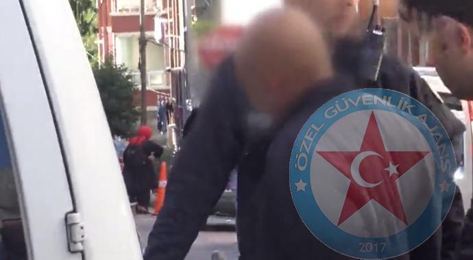 Genç Kız Çığlık Attı, Güvenlik Görevlisi Yakaladı