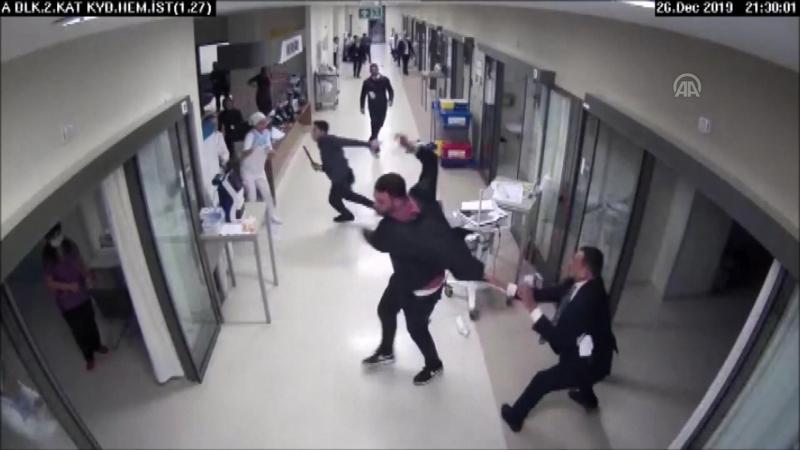 Hasta yakınlarıyla çıkan arbedede 8 güvenlik görevlisi yaralandı