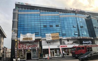 AVM'de Çıkan Yangında Faciayı Özel Güvenlik Görevlileri Engelledi