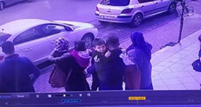 Çocuğunu Kaçırmaya Çalışırken, Güvenlik Görevlisini Aracıyla Sürükledi