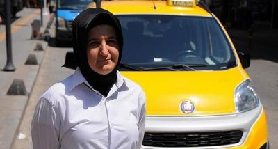 Özel Güvenlik Görevlisi Kadın, Okullar Kapanınca Taksicilik Yapmaya Başladı