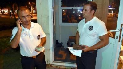 Özel güvenlikler buldukları para dolu el çantasını Polis'e teslim etti