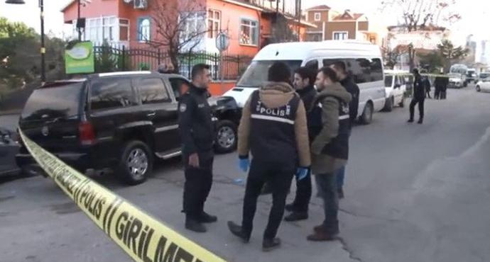 Güvenlik Görevlileri Lüks Otoyu Çalan Şahsı Vurdu
