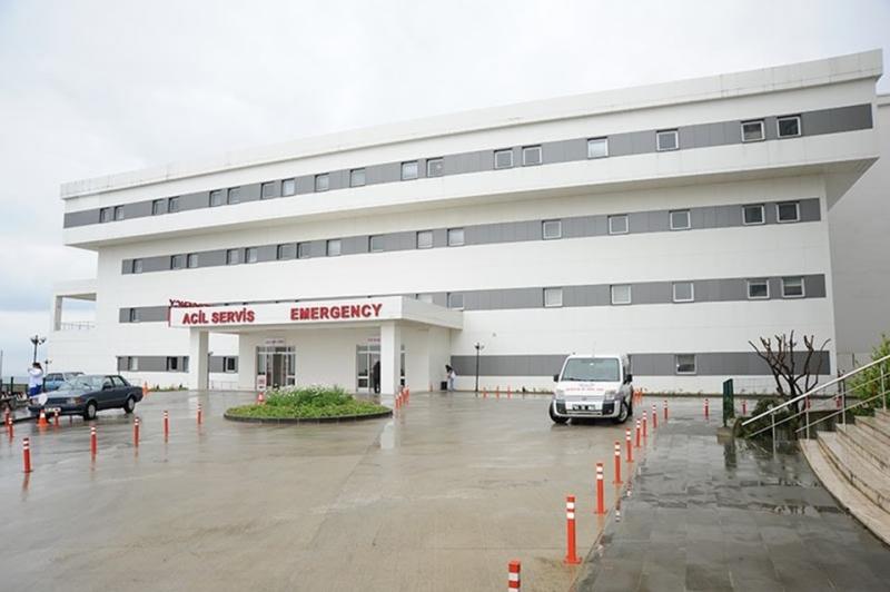 Hasta yakını, doktora oksijen tüpüyle saldırdı özel güvenlik müdahale etti