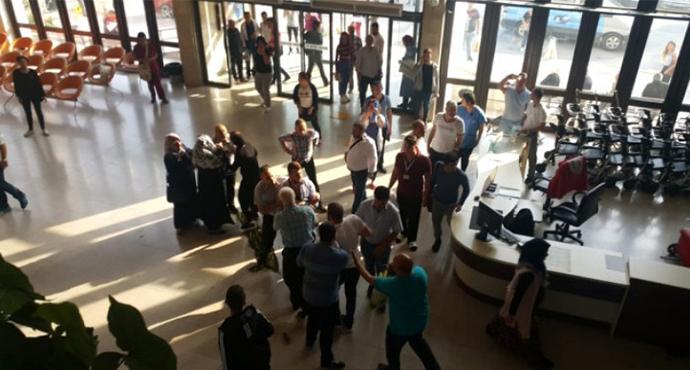 İzmir'de Hasta Yakınları Güvenlik Personeline Saldırdı