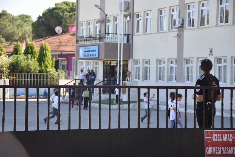 Karacasu'da Okulların Güvenliği Kadınlara Emanet