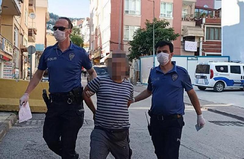 Maske Uyarısı Yapan Güvenlik Görevlisi Kadına Çirkin Saldırı, Saçından Tutup Boğazına Sarıldı