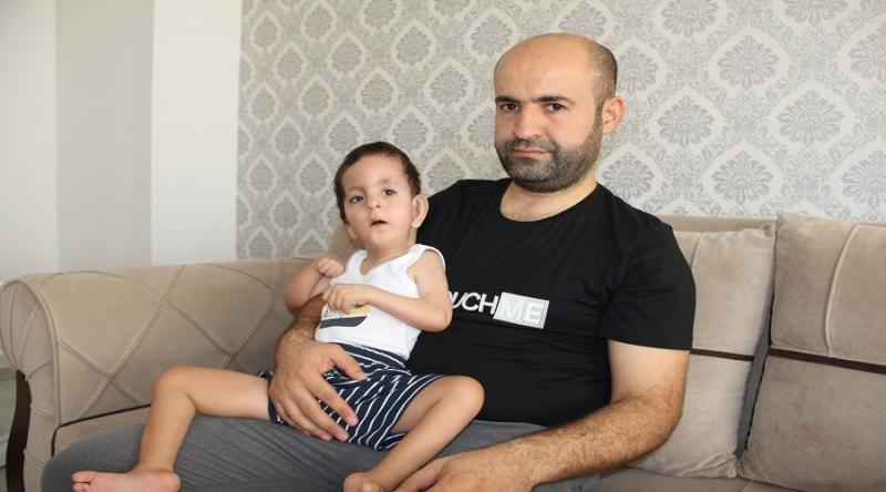 Özel Güvenlik Görevlisi Baba Çocuğu İçin Yardım Bekliyor
