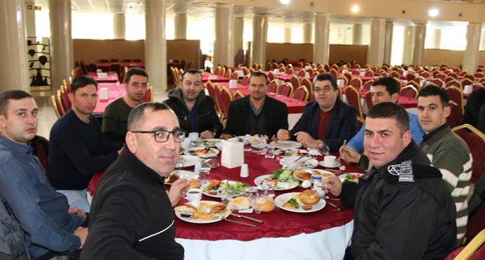 Üniversite Rektörü Güvenlik Personeli ve Aileleriyle Kahvaltıda Buluştu