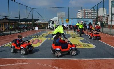 """Siirt'te """"Güvenli Okul Güvenli Gelecek"""" projesi okullarda başladı"""